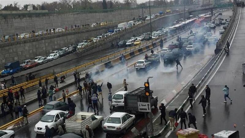 İranda qarışıqlıq: Prezidentin planı baş tutmadı, 208 nəfər öldürüldü
