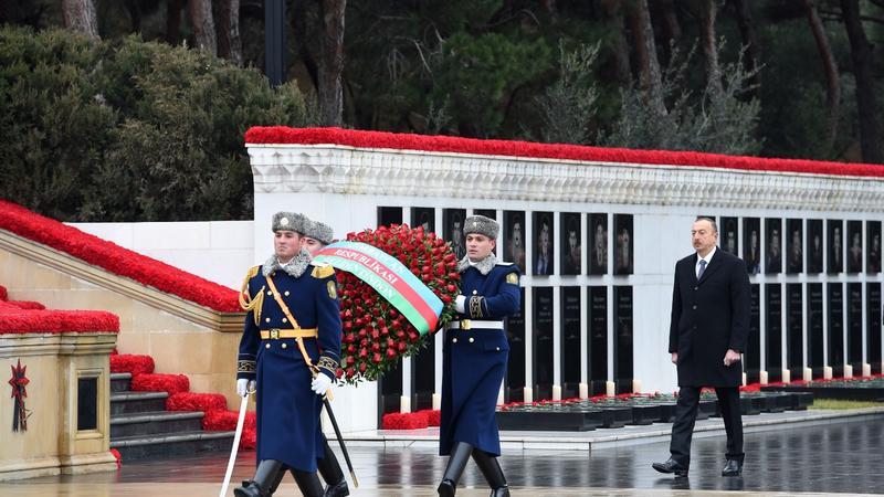 Prezident İlham Əliyev 20 Yanvar şəhidlərinin əziz xatirəsini yad edib