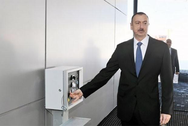 """İlham Əliyev """"SOCAR karbamid"""" zavodunu işə saldı"""