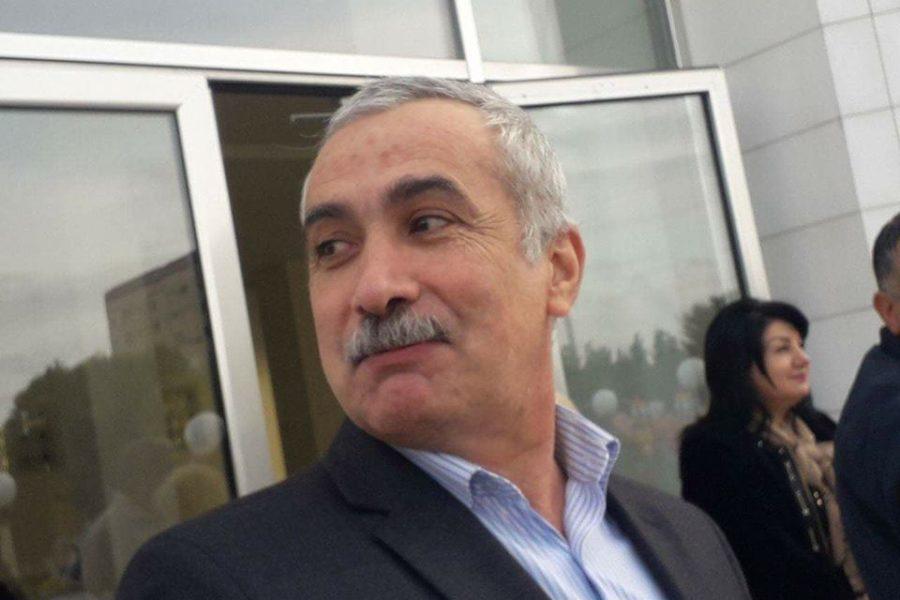 """""""Və hər şeyi bilənlərə görə mən küt, sən kor… Onlardır professor,Professor…""""-Süleyman Abdullanın yeni şeiri"""