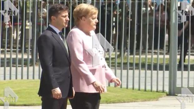 Zelenski ilə görüşdə Merkeli titrəmə tutdu.Şok görüntülər – VİDEO
